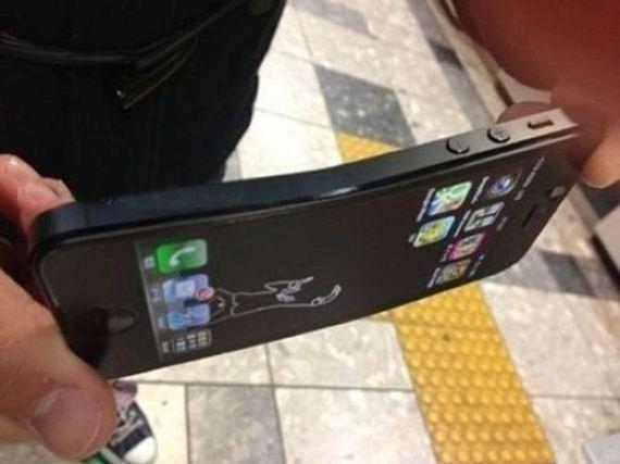 Bükülebilen iPhone5 Resimleri